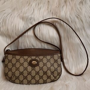 Gucci small crossbody/ shoulder bag